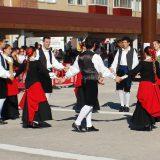 Euskal  Herriko  Dantzari  Egunea  parte  hartuko  du  Oberenak  larunbatean